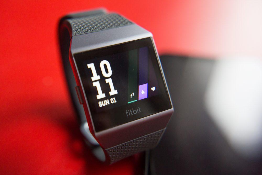 Best Fitbit for Men: Buyer's Guide